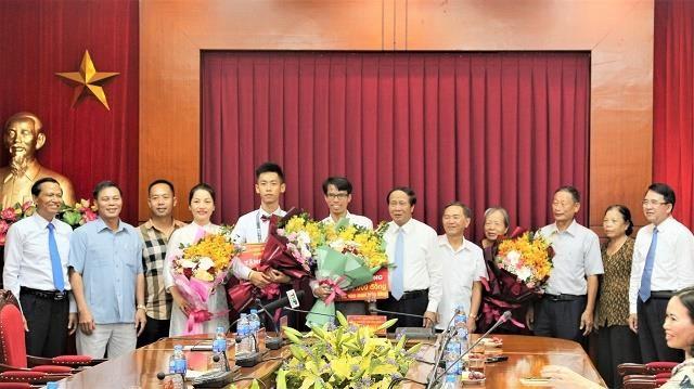 Hải Phòng thưởng 500 triệu đồng cho học sinh đoạt HCV Toán học - ảnh 1