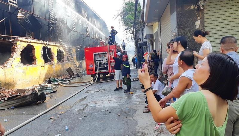 Công ty Rạng Đông lập ban khắc phục sự cố hỏa hoạn - ảnh 1
