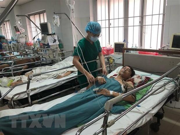 Cứu sống bệnh nhân bị cây sắt đâm xuyên phổi và đốt sống ngực - ảnh 1