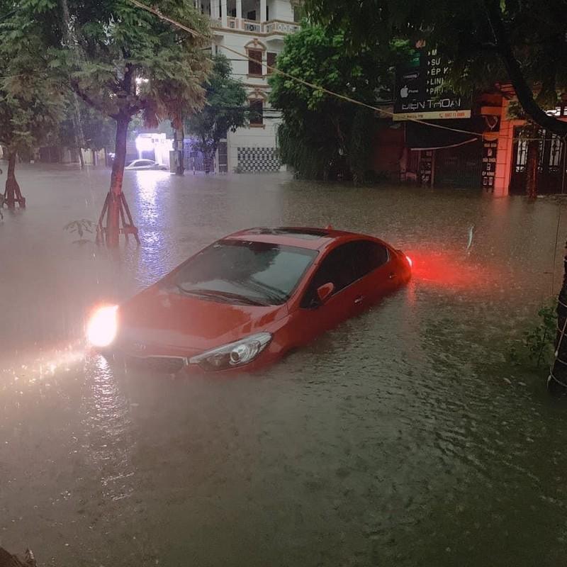 Nhiều tỉnh miền Bắc ngập nặng sau trận mưa đêm - ảnh 2