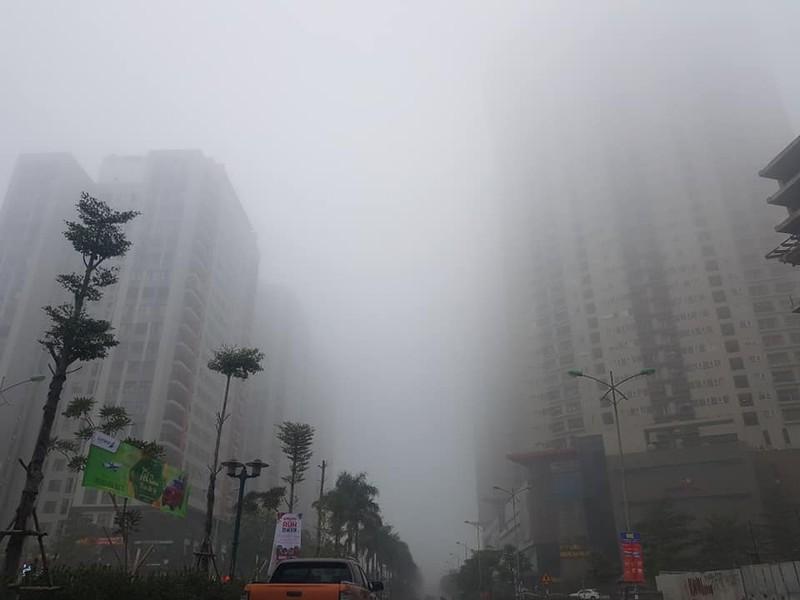 Hà Nội chìm trong sương mù như Sa Pa - ảnh 1