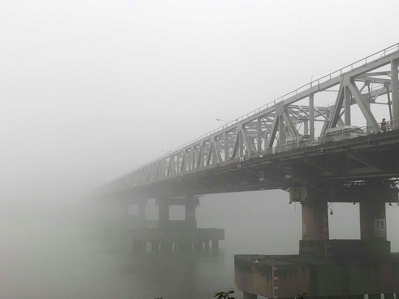Hà Nội chìm trong sương mù như Sa Pa - ảnh 4