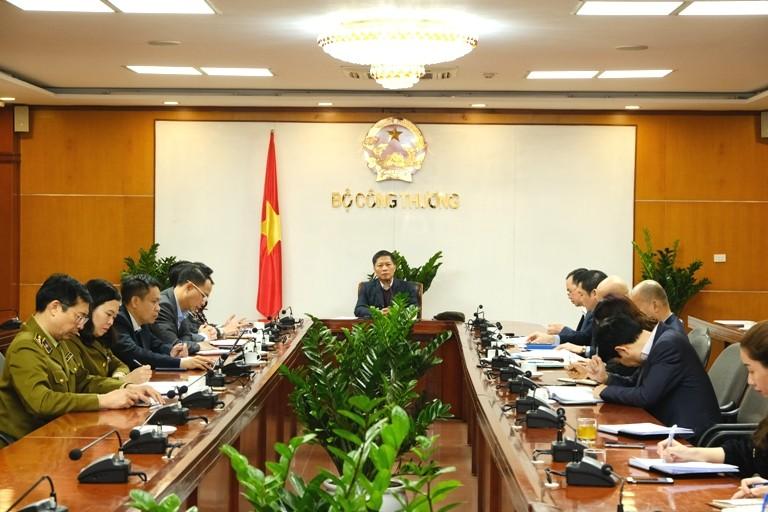 Virus Corona gây ảnh hưởng đến thương mại Việt-Trung - ảnh 1