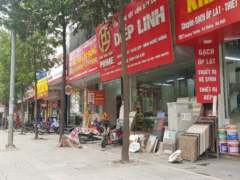 Hàng loạt cửa hàng tại Hà Nội đóng cửa chống dịch COVID-19 - ảnh 7