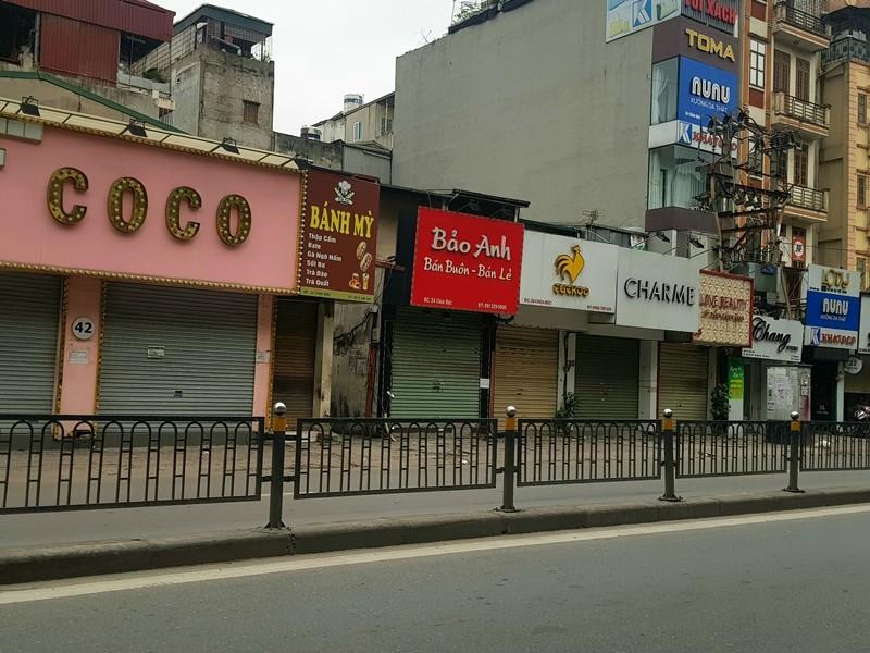 Hàng loạt cửa hàng tại Hà Nội đóng cửa chống dịch COVID-19 - ảnh 4