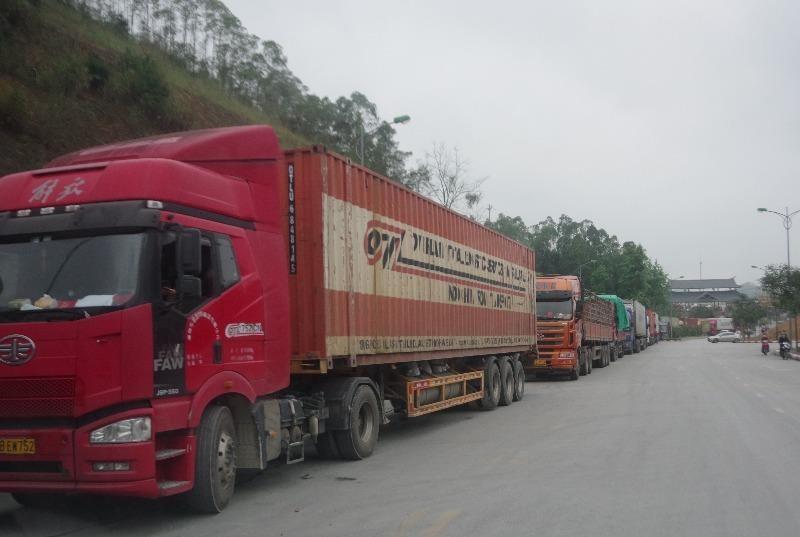 Khuyến cáo tạm dừng đưa nông sản lên biên giới Việt-Trung - ảnh 1