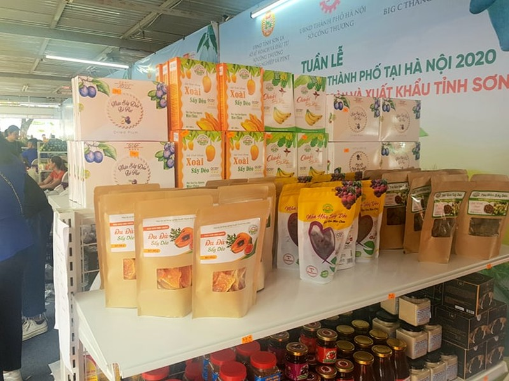 Khai mạc tuần hàng trái cây, đặc sản tại Hà Nội - ảnh 3