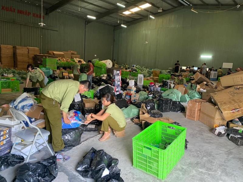 Phát hiện kho hàng lậu 'khủng' của người Trung Quốc tại Hà Nội - ảnh 1