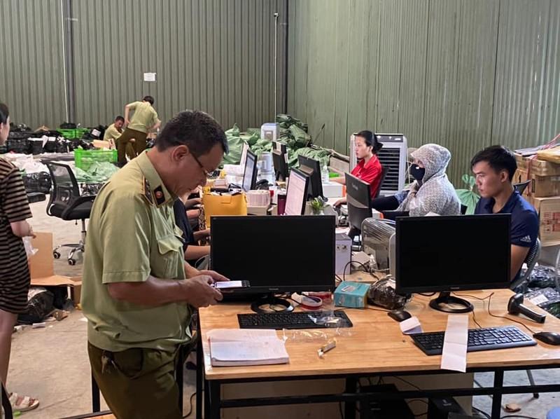 Phát hiện kho hàng lậu 'khủng' của người Trung Quốc tại Hà Nội - ảnh 2