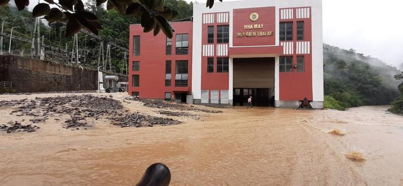 Cận cảnh nhà máy thủy điện Thái An bị đất đá vùi lấp - ảnh 6