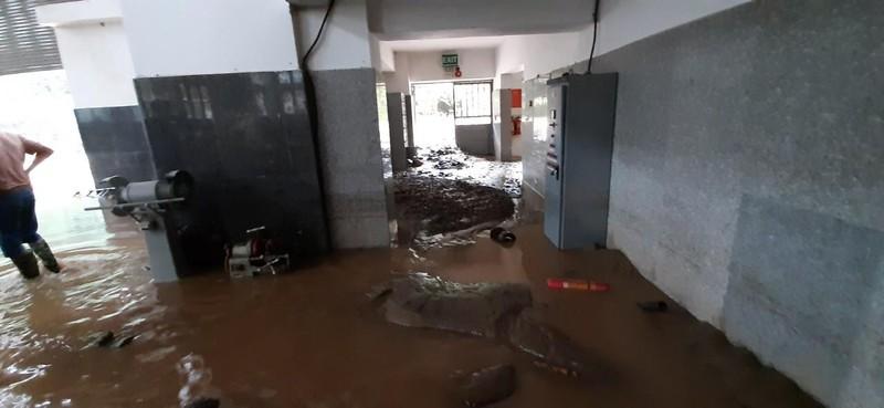 Cận cảnh nhà máy thủy điện Thái An bị đất đá vùi lấp - ảnh 3