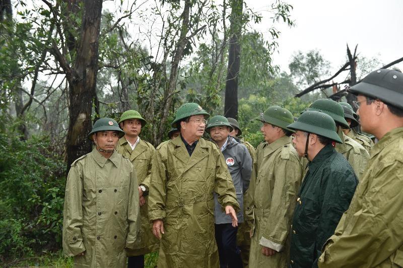 Phó Thủ tướng yêu cầu ứng phó khẩn cấp với bão số 7 - ảnh 1