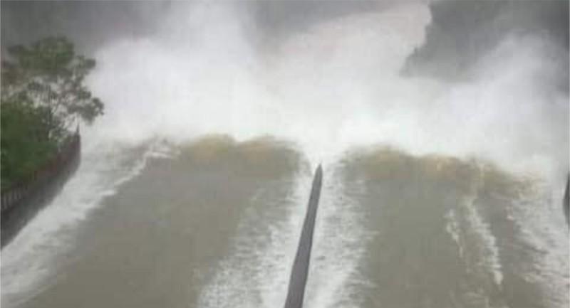 Mực nước hồ Kẻ Gỗ đã an toàn - ảnh 1