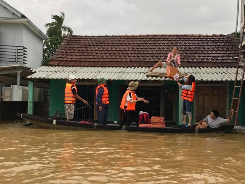 Lên kịch bản điều hàng hóa khẩn cấp từ các tỉnh cho vùng lũ - ảnh 1