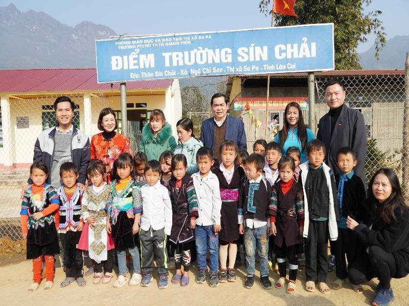 Với hai phòng học mới được xây kiên cố, thầy trò điểm trường Sín Chải sẽ yên tâm hơn mỗi khi mùa mưa, mùa đông tới. Ảnh: THANH TÂN