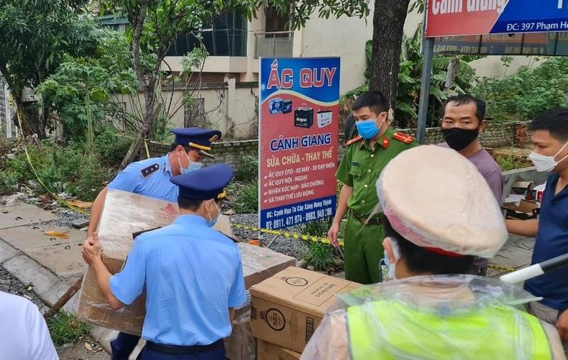 Phát hiện hơn 70 kg pháo trên xe tải ở Nghệ An - ảnh 1