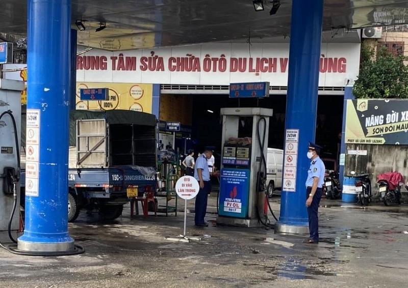 Cửa hàng xăng dầu treo biển 'Mất điện' bị phạt 10 triệu đồng - ảnh 1