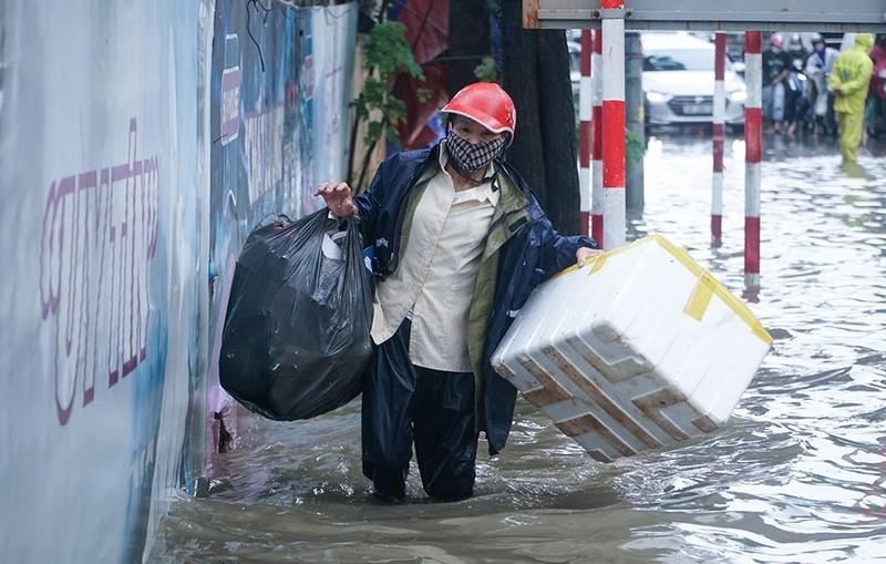 Bão tiếp bão, mưa to khắp Trung bộ, liệu có lặp lại lũ lịch sử năm 2020? - ảnh 1