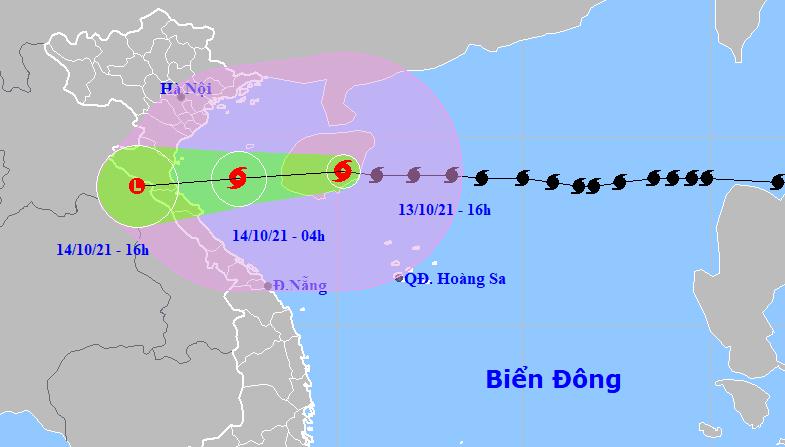 Bão số 8 giật cấp 12 đang cách Hà Tĩnh hơn 400km - ảnh 1