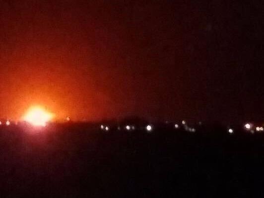 Nổ lớn ở kho vũ khí gần sân bay thủ đô Syria - ảnh 1