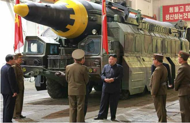 Triều Tiên đã có tên lửa hạt nhân đủ sức bắn tới Mỹ? - ảnh 1