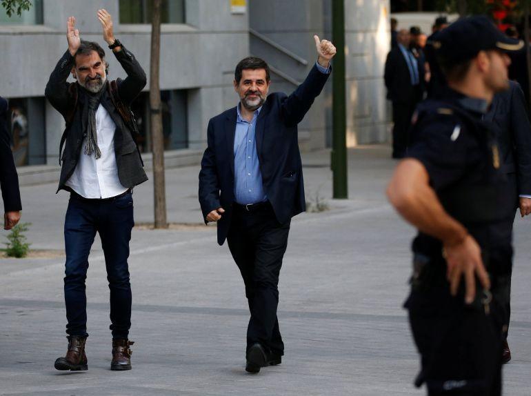 Tây Ban Nha bắt 2 lãnh đạo phong trào đòi độc lập - ảnh 1