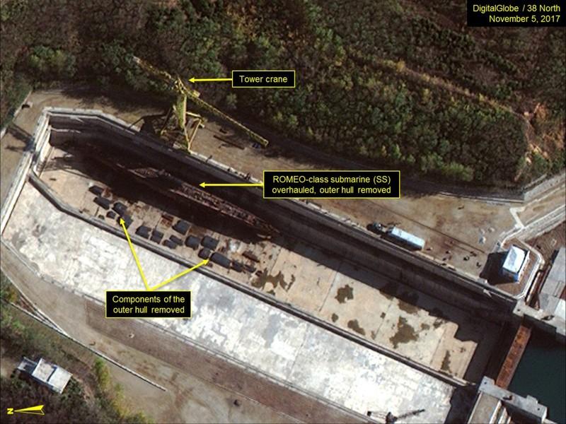 Triều Tiên đang đóng tàu ngầm tên lửa đạn đạo - ảnh 2