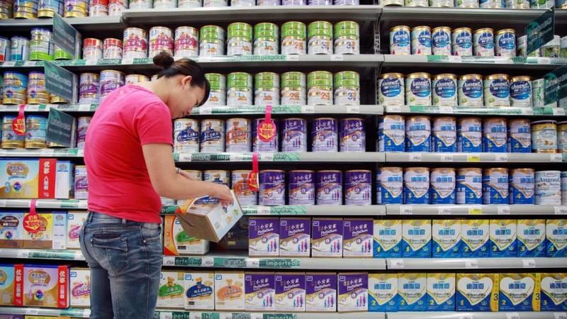 Người Trung Quốc và nỗi sợ mua sữa bột nội địa - ảnh 1