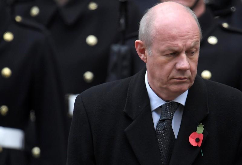 Phó thủ tướng Anh từ chức vì bê bối 'ảnh người lớn' - ảnh 1