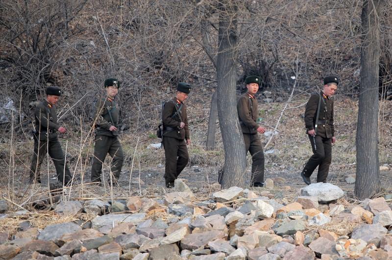 Nhà khoa học Triều Tiên tự tử bằng thuốc độc - ảnh 1