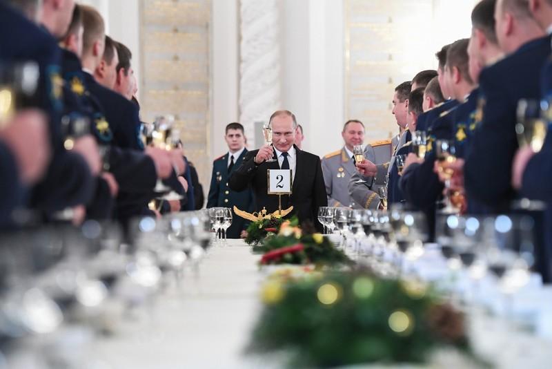 Ông Putin tiết lộ số binh sĩ Nga tham chiến ở Syria - ảnh 2