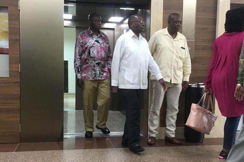 Chế độ hưu trí 'hậu hĩnh' của cựu lãnh đạo Zimbabwe - ảnh 1