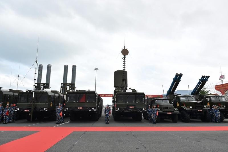 Thủ tướng dự lễ thượng cờ 2 tàu ngầm Đà Nẵng, BR-VT - ảnh 4
