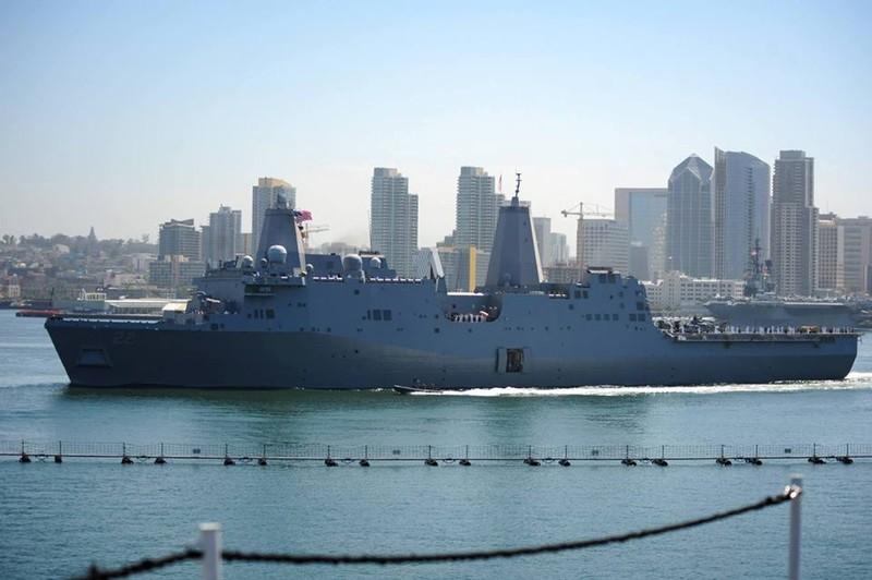 Tàu Hải quân Hoa Kỳ cập Cảng Quốc tế Cam Ranh - ảnh 1