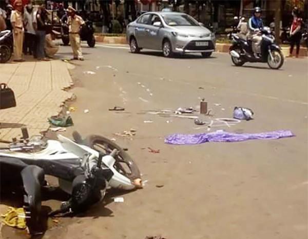 Ô tô tông xe máy, 1 phụ nữ mang bầu tử vong - ảnh 1