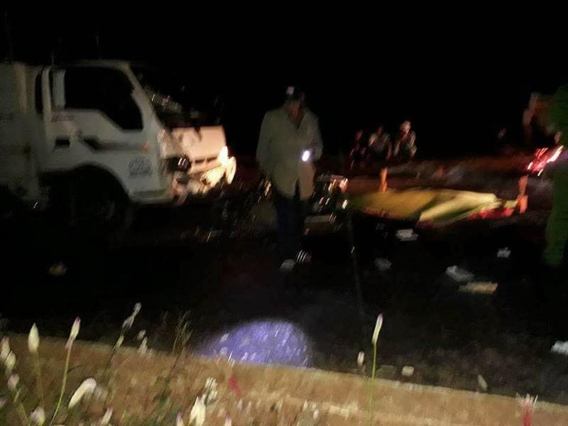 2 bác sĩ bị nạn sau va chạm với xe tải - ảnh 1