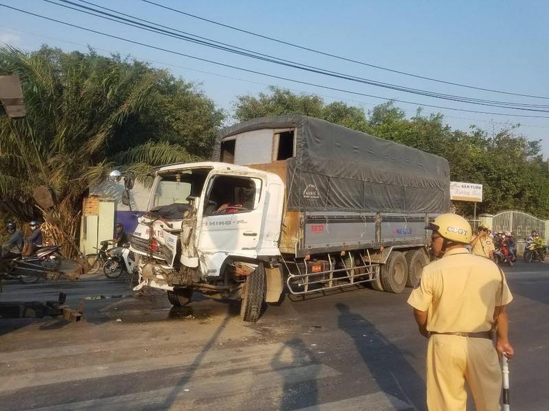 Tài xế xe tải nguy kịch sau tai nạn ở Củ Chi - ảnh 1