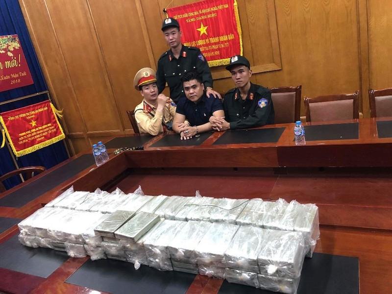 Tỉnh Quảng Ninh thưởng nóng vụ bắt 100 bánh heroin - ảnh 2