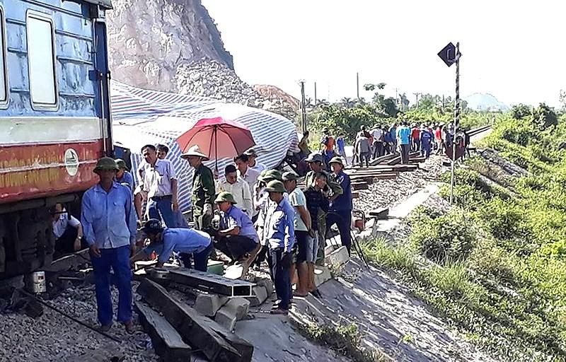 Bộ GTVT thông tin vụ lật tàu kinh hoàng ở Thanh Hóa - ảnh 3