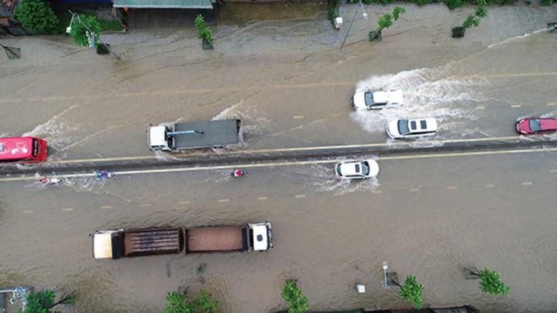 Quảng Ninh: Dốc Đèo Bụt tiếp tục ngập, giao thông tê liệt - ảnh 2
