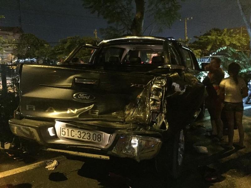 Tai nạn liên hoàn vì xe máy chạy ngược chiều trong làn ô tô - ảnh 2