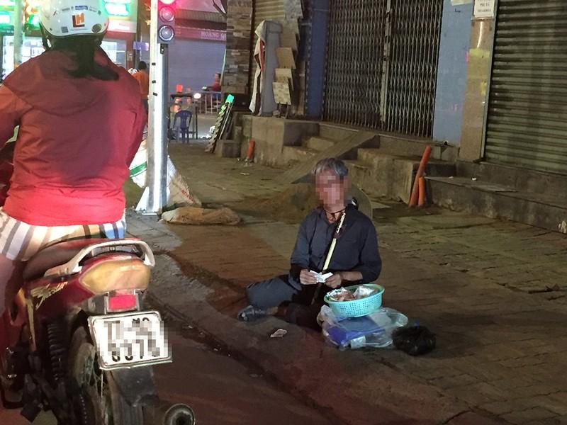 'Kiếm sống 4.0' và 'Nghệ sĩ đường phố' cúi đầu - ảnh 4
