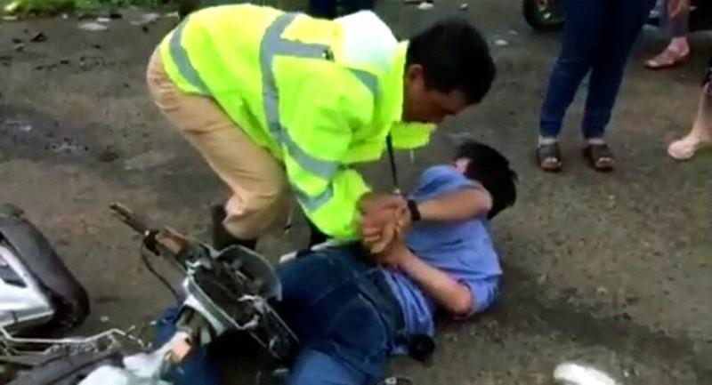Cảnh sát giao thông tóm tên trộm nhờ chiếc áo - ảnh 1