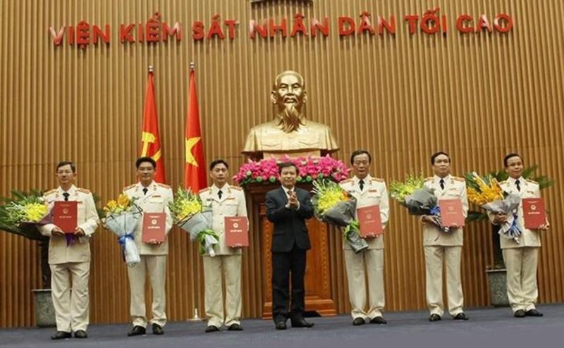 Công bố quyết định của Chủ tịch nước về công tác cán bộ - ảnh 2
