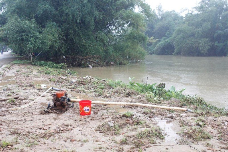 Quảng Ngãi: 1 người mất tích trong lũ khi vượt sông - ảnh 2