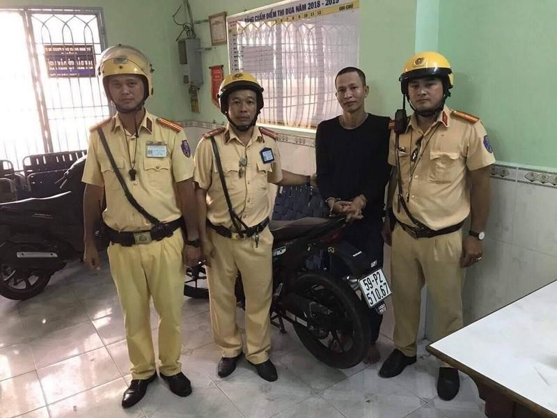 Thanh niên chở thuê 1,1 kg ma túy gặp CSGT Chợ Lớn - ảnh 1