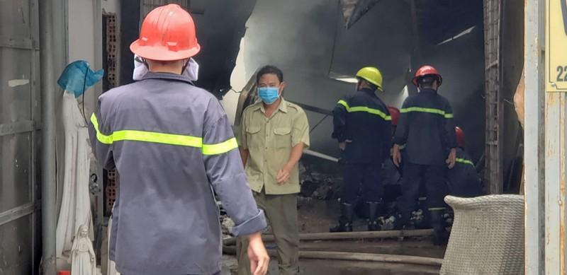 Cháy xưởng ở quận Thủ Đức, nhiều nhà dân bị ảnh hưởng  - ảnh 7