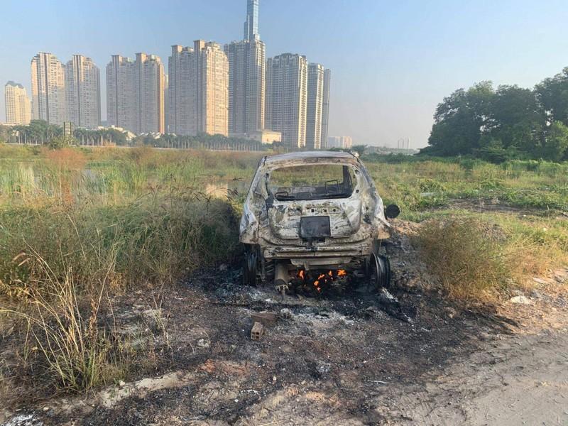 Rúng động: Nghi cướp giết người, đốt ô tô phi tang ở Sài Gòn - ảnh 1