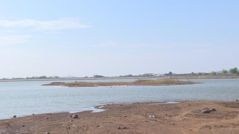 2 vụ đuối nước lúc cào hến ở hồ Ea Kao - ảnh 1