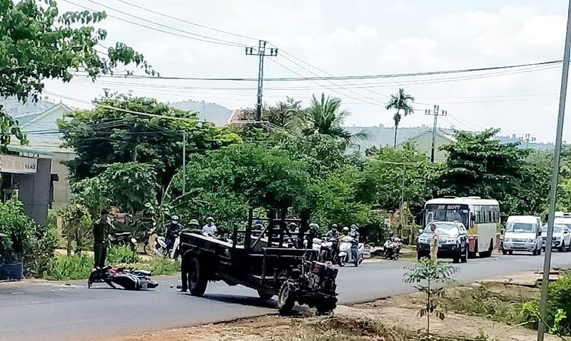 Công an thông tin vụ xe công nông va chạm xe máy ở Gia Lai - ảnh 1
